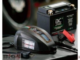 充電やテストに加えて最適状態キープもできる BCバッテリーコントローラー「BCブラーボ2000+」