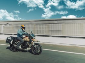 モト・グッツィ「V85TT TRAVEL」試乗速報 さらに快適になった本格派冒険ツアラー
